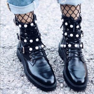ZARA LIMITED EDITION LEATHER PEARL BOOTS
